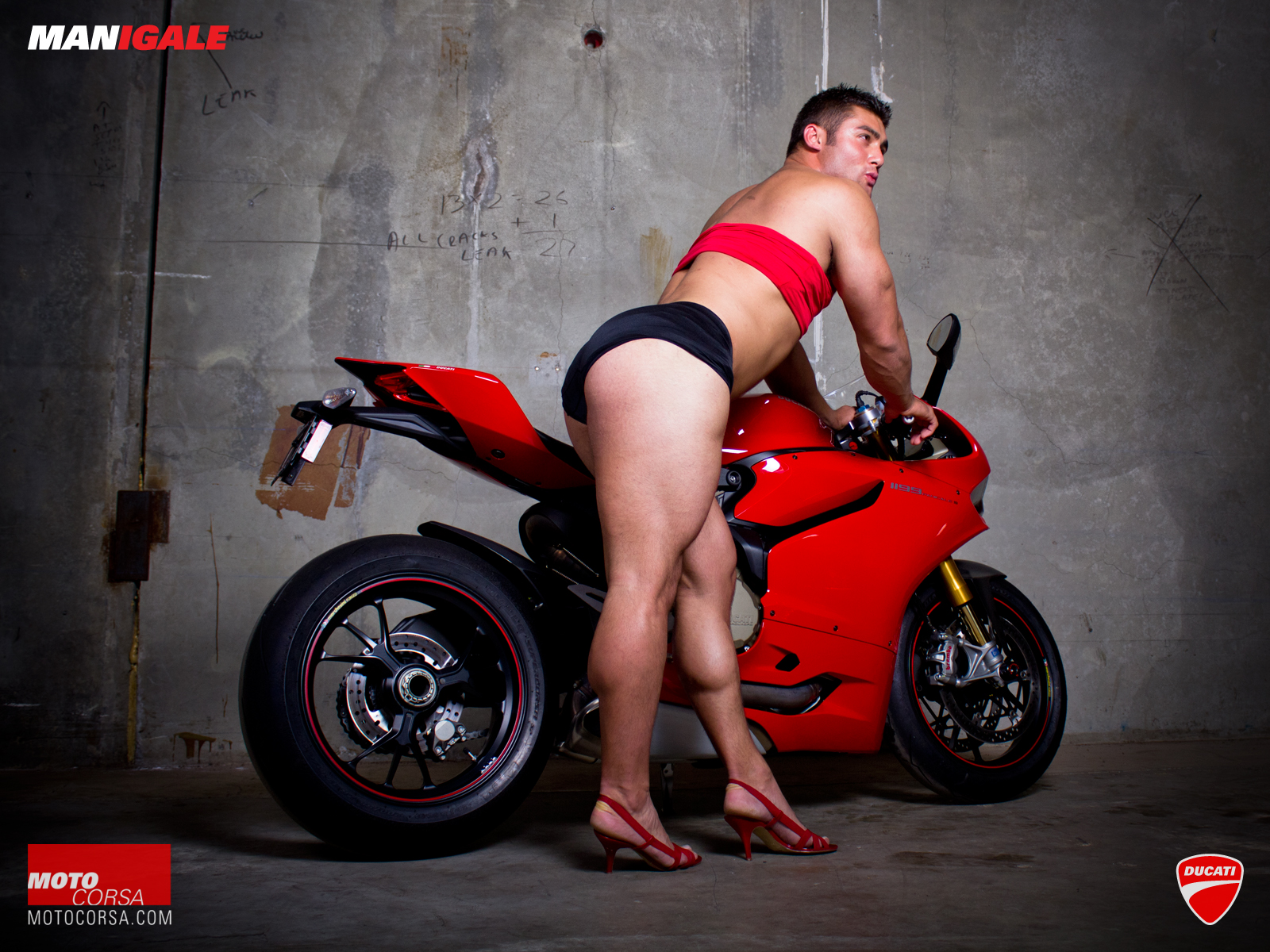 manigale-ducati-1199-wallpaper-10-1600x1200