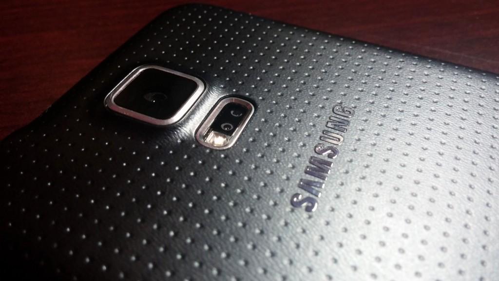 Samsung-s5-rear