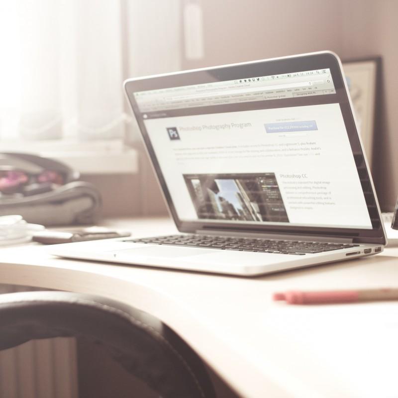 Više od 70 odsto slovenačkih korisnika interneta najmanje jednom godišnje kupuje u domaćim online prodavnicama