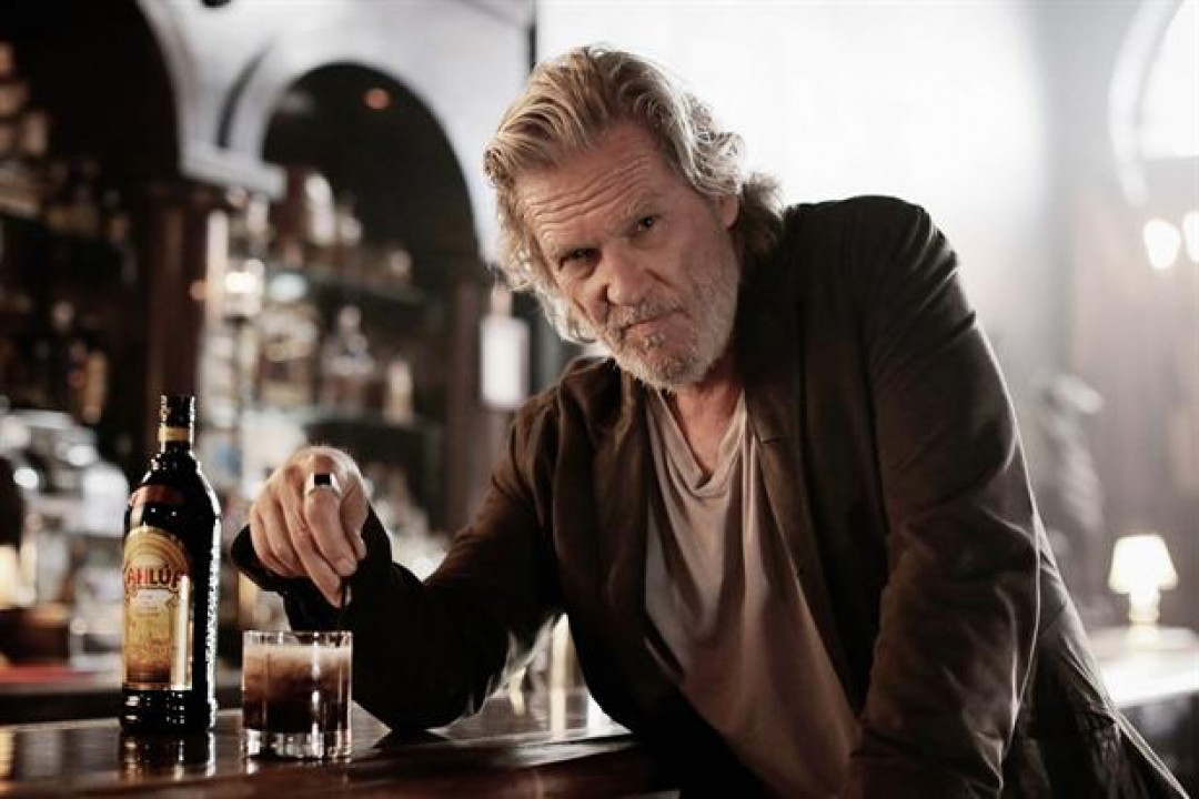 Jeff Bridges u reklami za liker Kahlúa