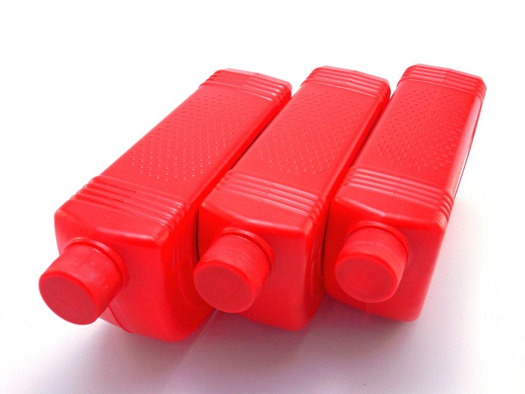 stockvault plastic bottles112548