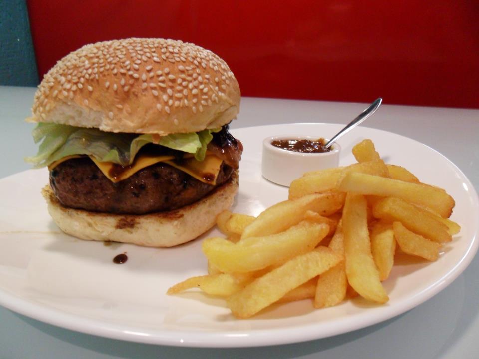 Tommys Diner Burger