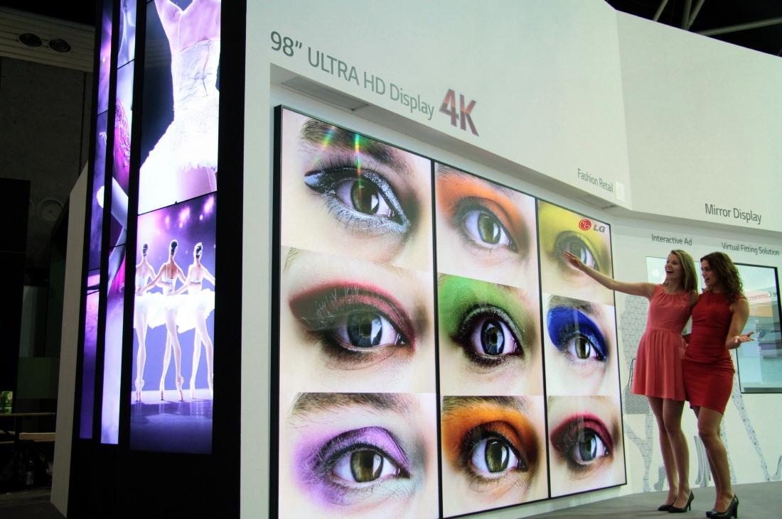 LG 98 incni ULTRA HD profesionalni monitor