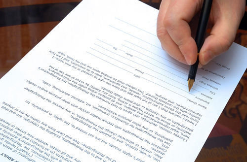 contract sign